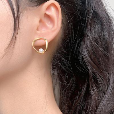 쑈우 여성 레이어드 진주 귀걸이