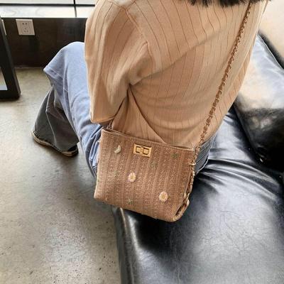 여성 플라워 라탄백 가방 크로스 핸드백 메신저 체인