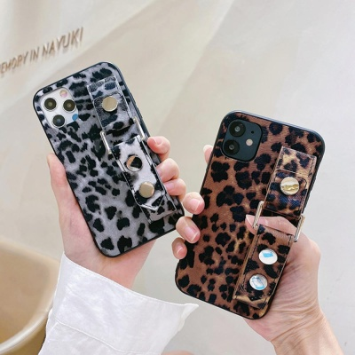 아이폰SE2 XR XS MAX 8 레오파드 핸드 스트랩 케이스