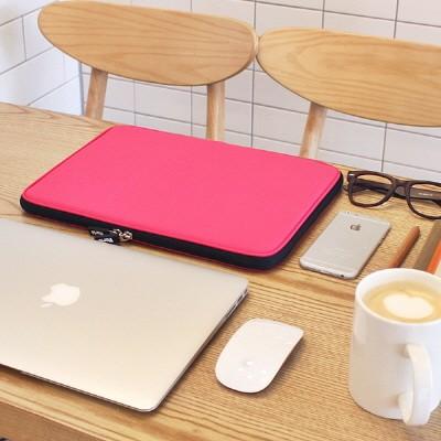 Varie 바리에 비비드 슬림 15.6인치 노트북 파우치 핑크 VIVID-Slim156PN