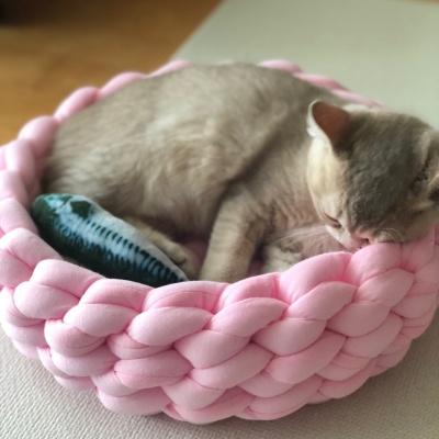 로망 고양이 방석 자이언트얀 손뜨개 바구니 스몰