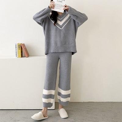 Very Soft Home V-Neck Pajama Set  - 극세사