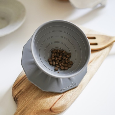 몬도미오펫 팽이식기 고양이식기 식탁 Gray