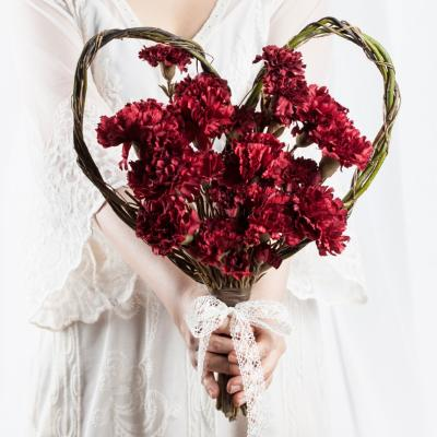 셀프 웨딩 카네이션 하트 꽃다발 버건디 조화