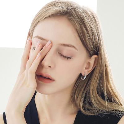 제이로렌 M03588 Dior 화이트 큐빅 원터치 귀걸이