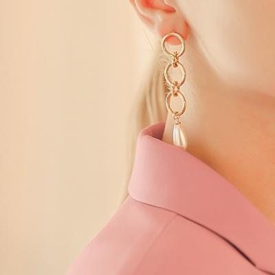 j-e19 - 3 line round pearl earring