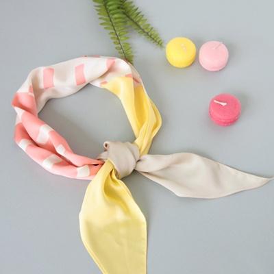 [베네]스티치 배색 마름모 스카프