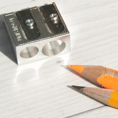 까렌다쉬 메탈 Two Hole 더블 연필깎이 476.002