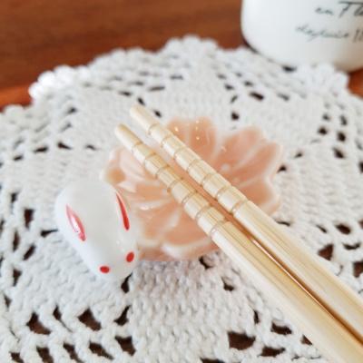 꽃토끼 젓가락 받침 겸용 도자기 데코소품