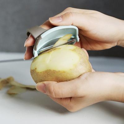 내손에 쏙 핑거필러 감자칼