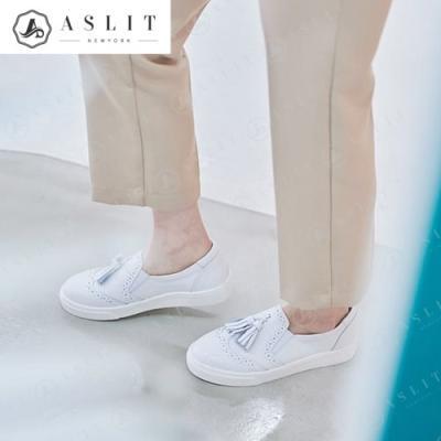 [애슬릿]발 편한 여자 윙팁 테슬 슬립온 운동화
