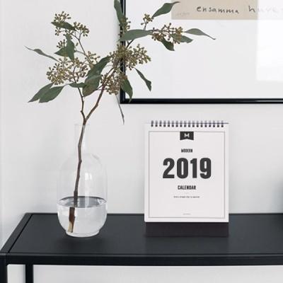 2019 MODERN DESK CALENDAR