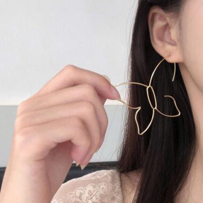 프셀 나비 레이어드 귀걸이