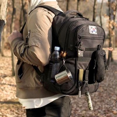 남성 캠핑 등산 검정 배낭 트렌드 밀리터리 전술 가방