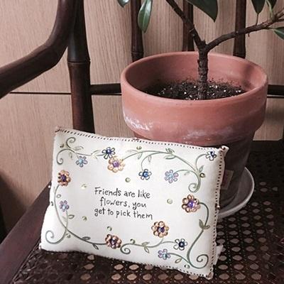 산미구엘 쿠션-Friends are flowers (PLW 052)