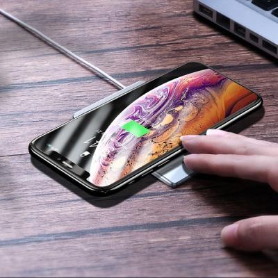 베이스어스 초슬림 카드형 15W 무선 충전기
