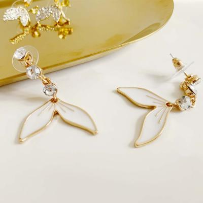 ROO7 꽃잎 귀걸이