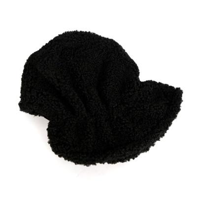 [디꾸보]보슬보슬 방한 끈 모자 AC474