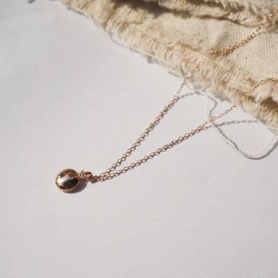 14k gold small circle necklace