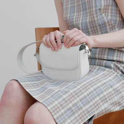 FENNEC TROIS SQUARE BAG (S) - OFF WHITE