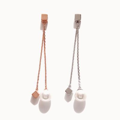제이로렌 01M01580 큐브 진주 롱체인 실버 귀걸이