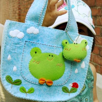 개구리 미니가방