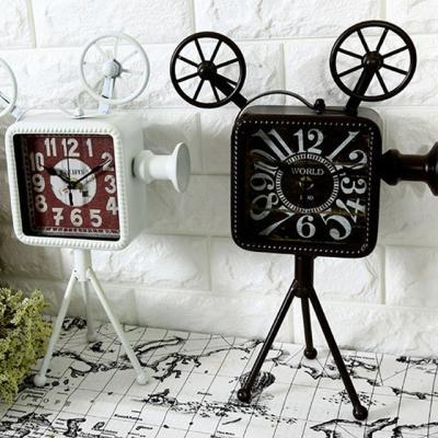 영사기 모형 시계