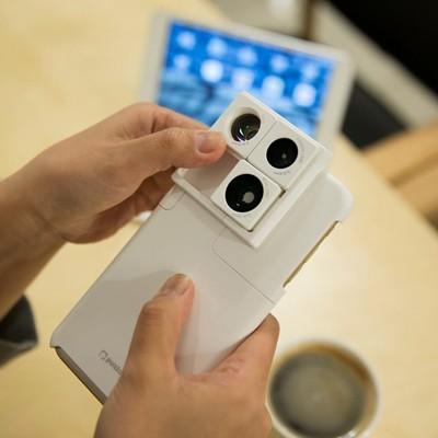 [Puzlook] 퍼즈룩 아이폰6 카메라 렌즈가 장착된 케이스