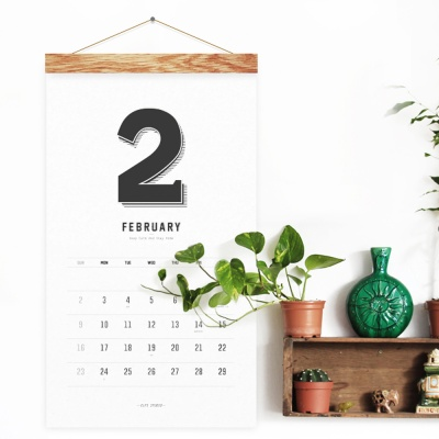 2020 RETRO WALL CALENDAR - Wood
