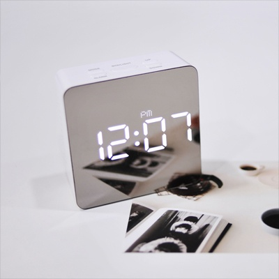 [mooas] LED Mirror Clock