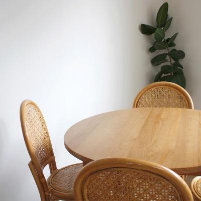 라운드 식탁