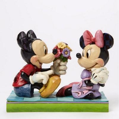 꽃다발을 선물하는 미키와 미니 (4046066)