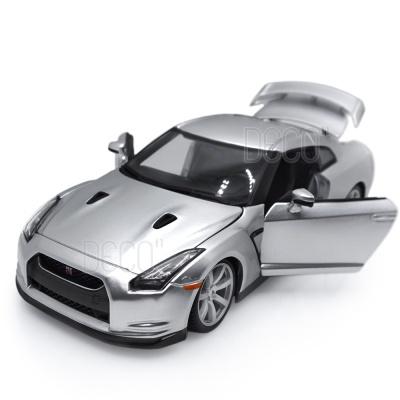 1:18 2009 닛산 GT-R 실버 미니카 다이캐스트 브라고