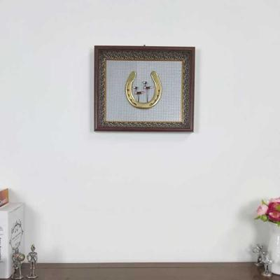 Home gallery 솟대편자 금색 관액자 35x30cm