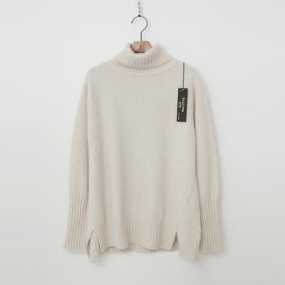 Raccoon Fox N Wool Unbal Turtleneck Sweater