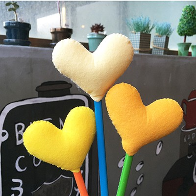 [diy] heart pencil topper-yellow type
