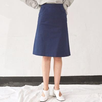 String Line Midi Skirt (NA)