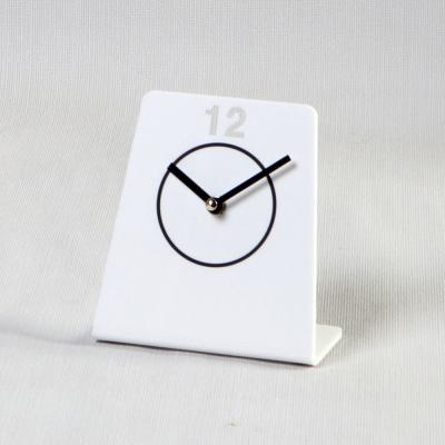 퓨어-모던 서클 디자이너 시계