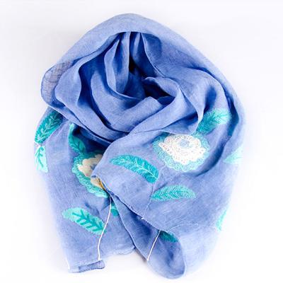 파랑에 흰색꽃 손자수 스카프