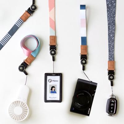 단순생활 넥스트랩 카메라 핸드스트랩