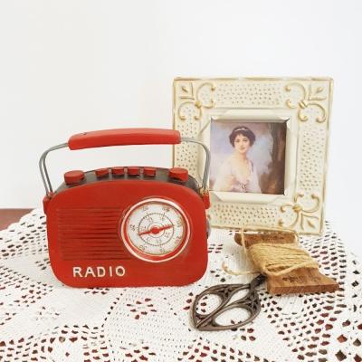 빈티지 레드 핸들 라디오