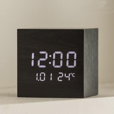 플라이토 우드 큐브 플러스 LED 탁상시계 인테리어