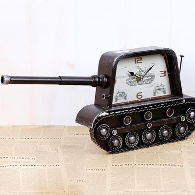 탱크모형 엔틱시계