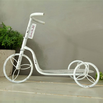 빈티지 화이트 자전거 수납함