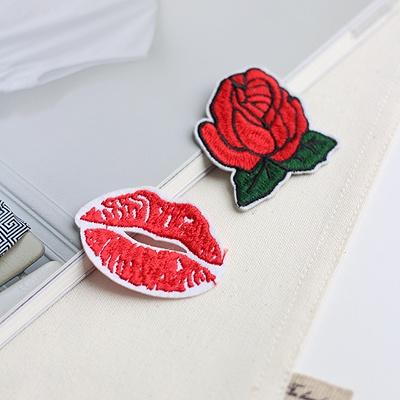 [콩지] 장미와 입술 와펜