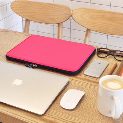 Varie 바리에 비비드 슬림 11.6인치 노트북 파우치 핑크 VIVID-Slim116PN