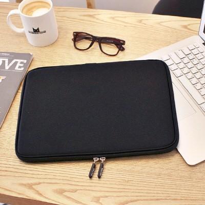 Varie 바리에 비비드 슬림 15.6인치 노트북 파우치 블랙 VIVID-Slim156BK