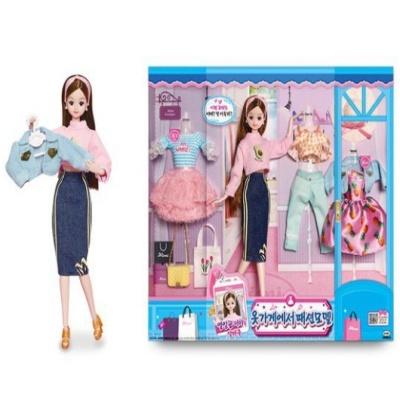 열일곱미미 옷가게에서 패션모델