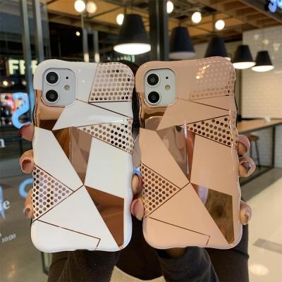 아이폰 물결 삼각 라인 아트 패턴 유광 실리콘 케이스