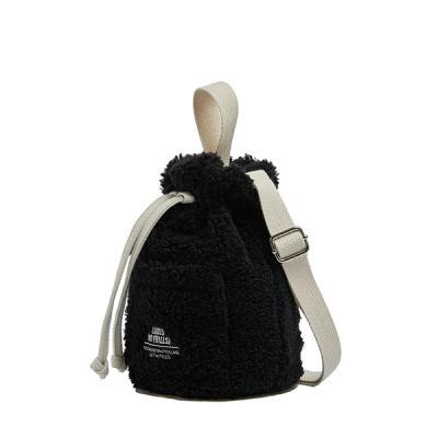 [로디스] 뽀글이 양털 버킷백 크로스백 블랙
